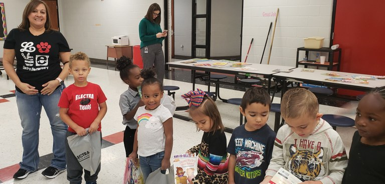 MS. BRANCH WITH THE OTHER HALF OF HER HEADSTART CLASS.jpg